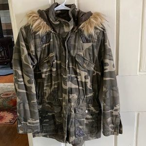 Camo Jacket with fur hood